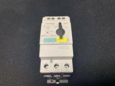 SIEMENS 3RV1721-0KD10 CIRCUIT BREAKER 1.5A | 3RV1721-4CD10 CIRCUIT BREAKER 22A | 3RV1031-4GA10 MOTOR