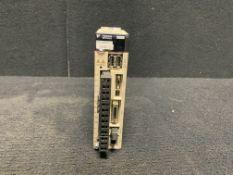 YASKAWA SIGMA-5 MECHATROLINK II SERVO AMPLIFIER SGDV-2R8A11A, 200-230VAC INPUT 50/60HZ 2 AMP 400W OU