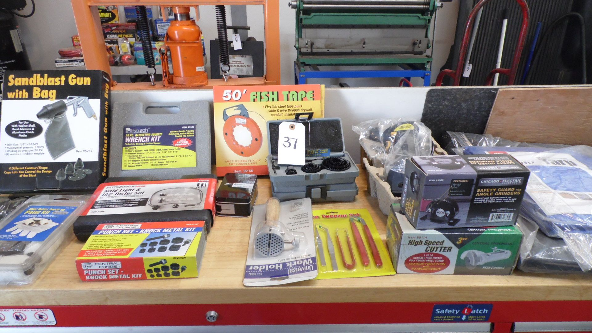Lot 37 - ASSORTED TOOLS - WRENCH KIT - GRINDERS - TARP