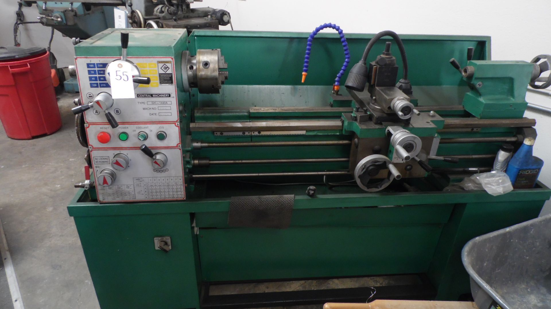 Lot 55 - CENTRAL MACHINERY LATHE 14 X 40