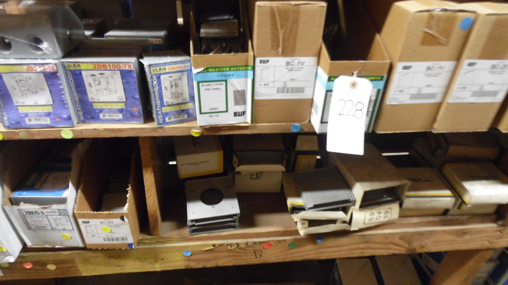 Lot 228 - GANG COVERS / OUTLET BOXES