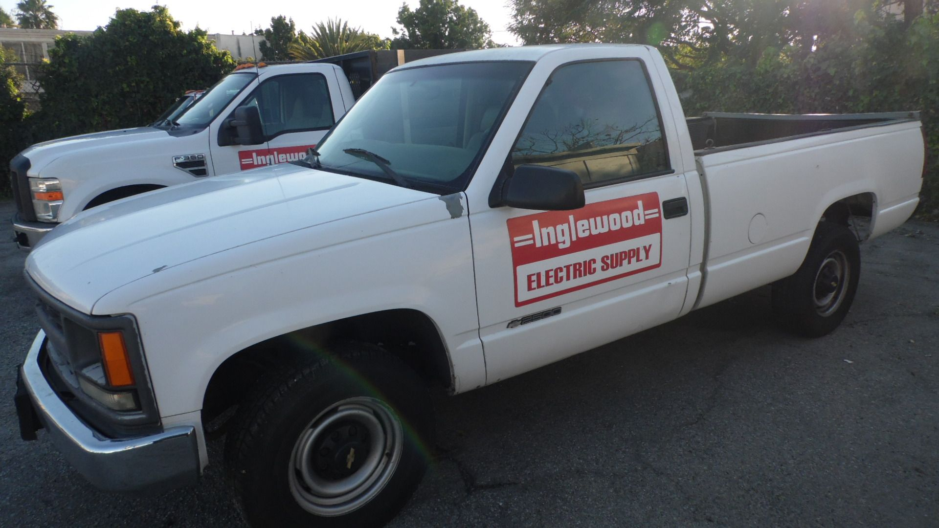 Lot 370 - 1999 CHEVY TRUCK