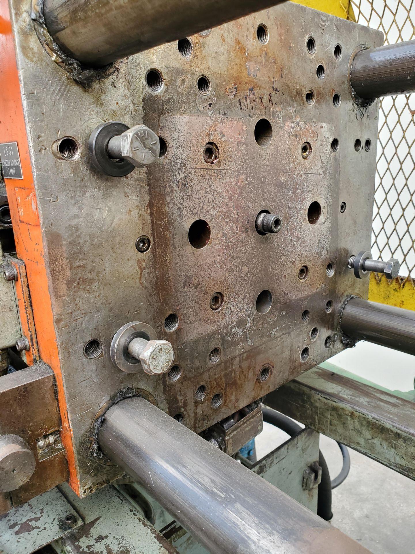 TOSHIBA ISS-85 INJECTION MOLDING MACHINE - Image 6 of 6