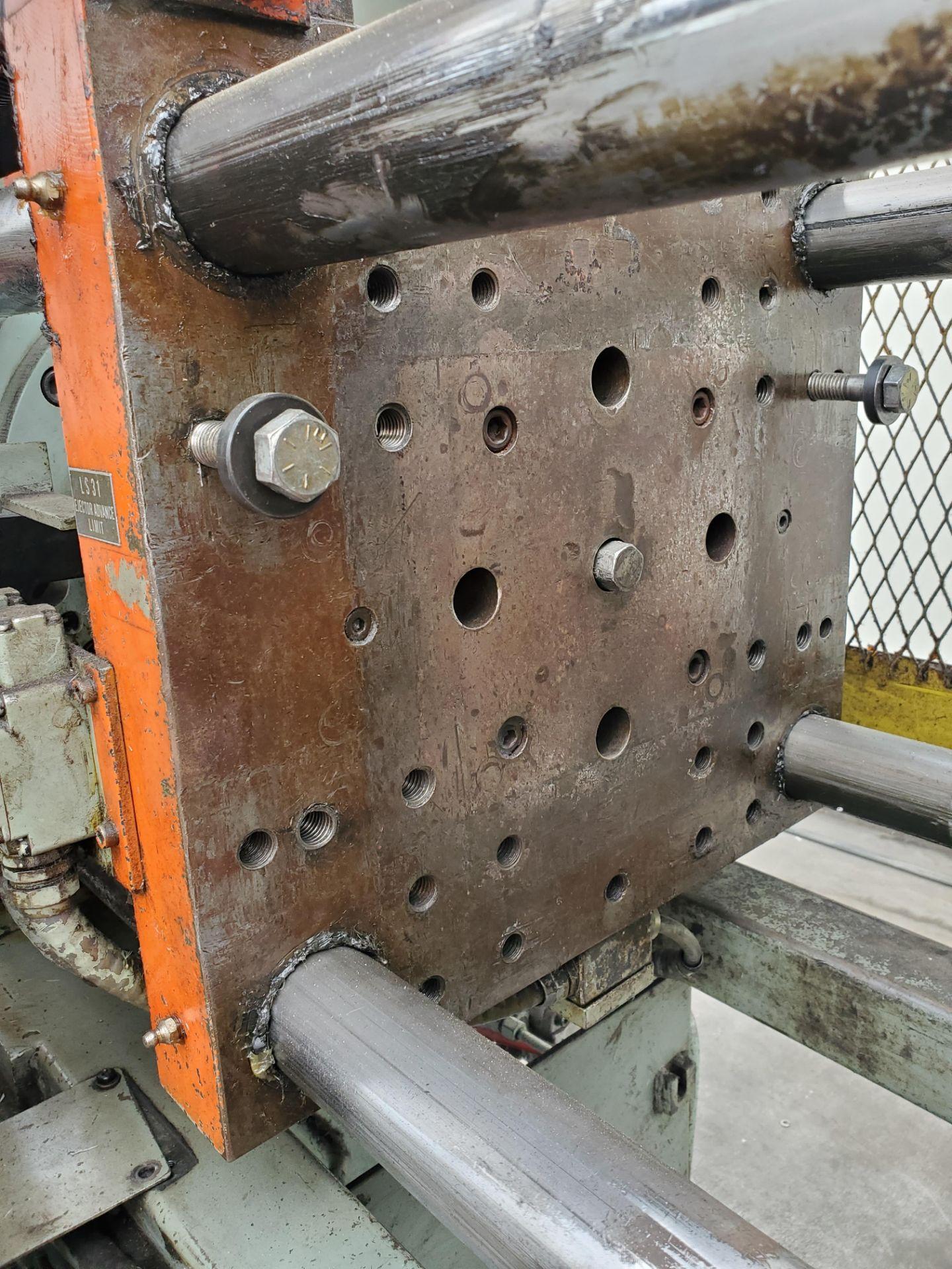 TOSHIBA ISS-85 INJECTION MOLDING MACHINE - Image 4 of 4