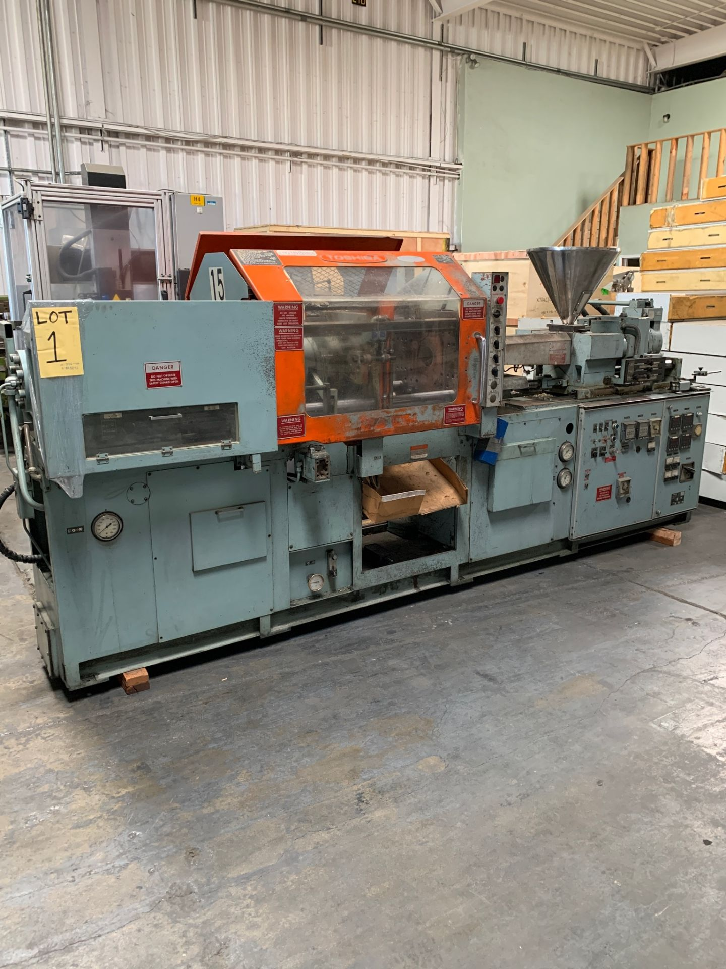 100 TON TOSHIBA ISC-100 PLASTIC INJECTION MOLDING MACHINE