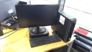 Dell Vostro Pentium PC complete with Samsung 24 inch monitor, keyboard and mouse