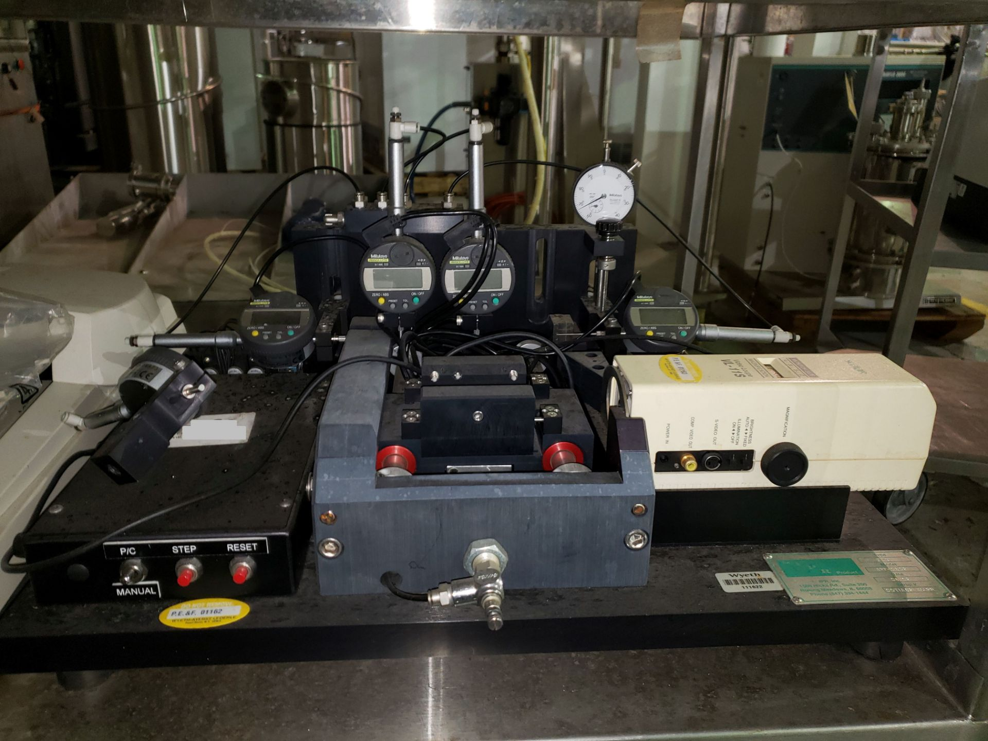 Lot 7 - IPR tablet press tooling inspection unit, type TIAS, model APF-0602 with computer, serial# 00TIA62-