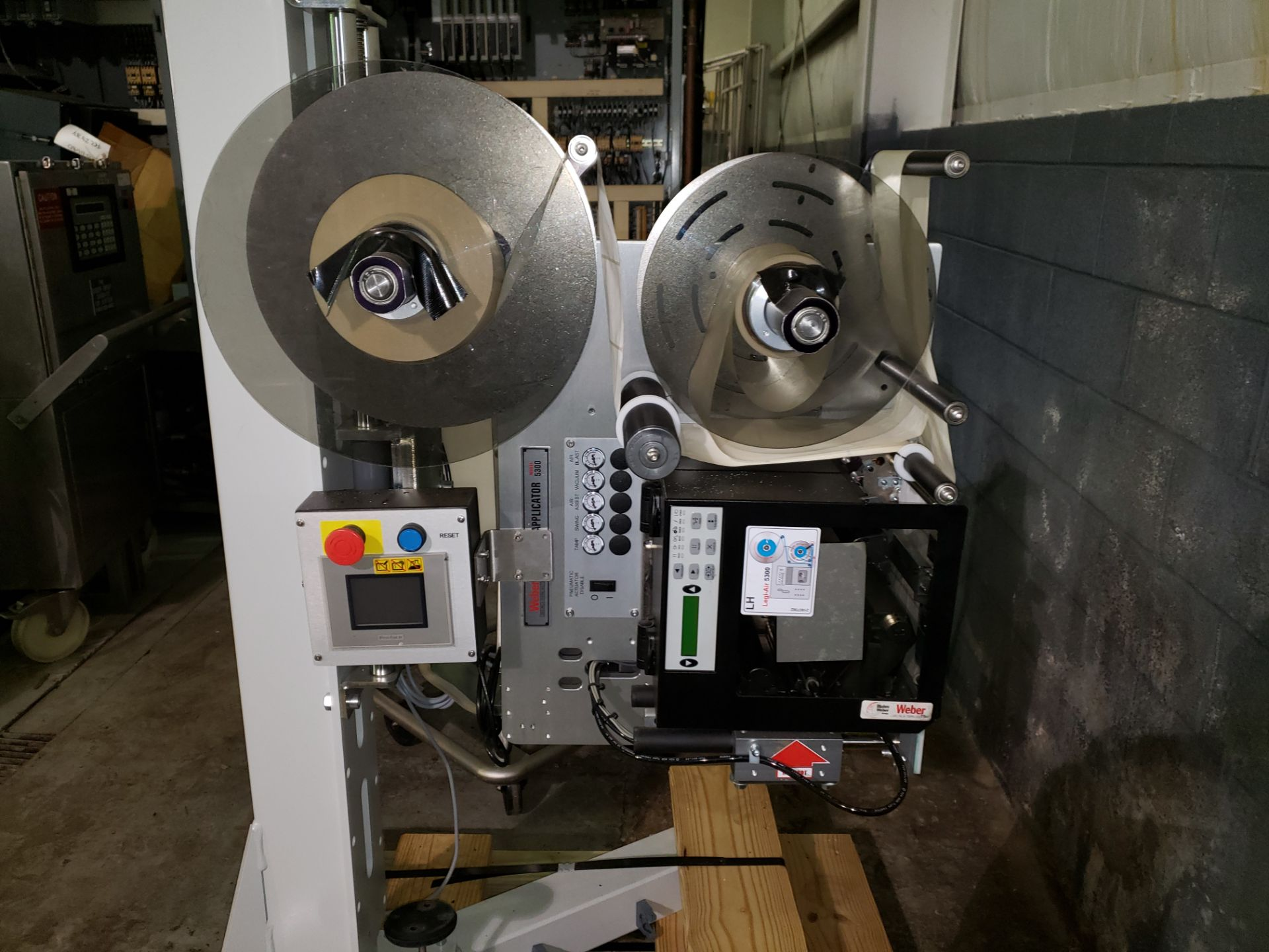 Lot 17 - Weber print and apply labeler, model 5300, type LEGI-Air with Weber printer on stand, serial#