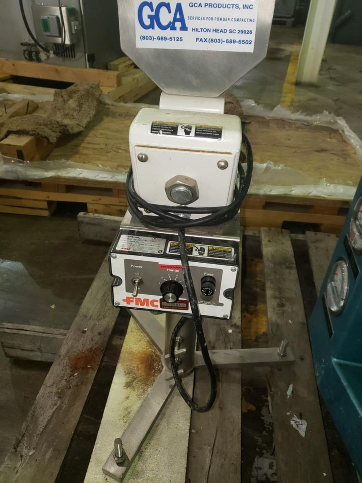 FMC Syntron magnetic feeder, model CSCR-1B-1, 115 volt, 50/60 hz, serial# P30596. - Image 4 of 6