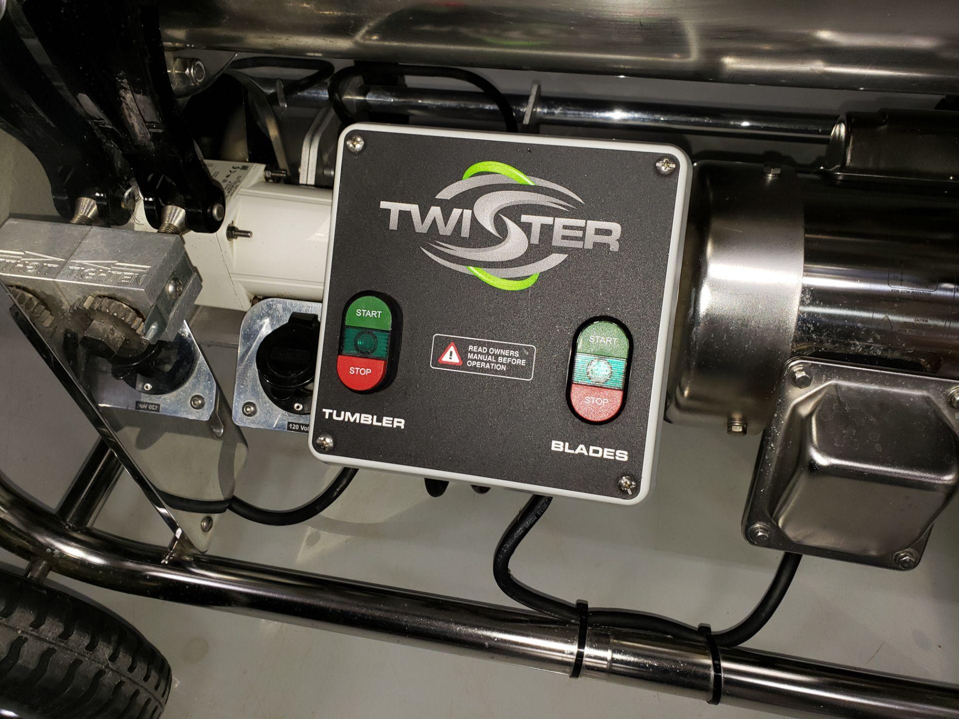 Lot 25 - KIERTON INC TWISTER T2 - BUD TRIMMER