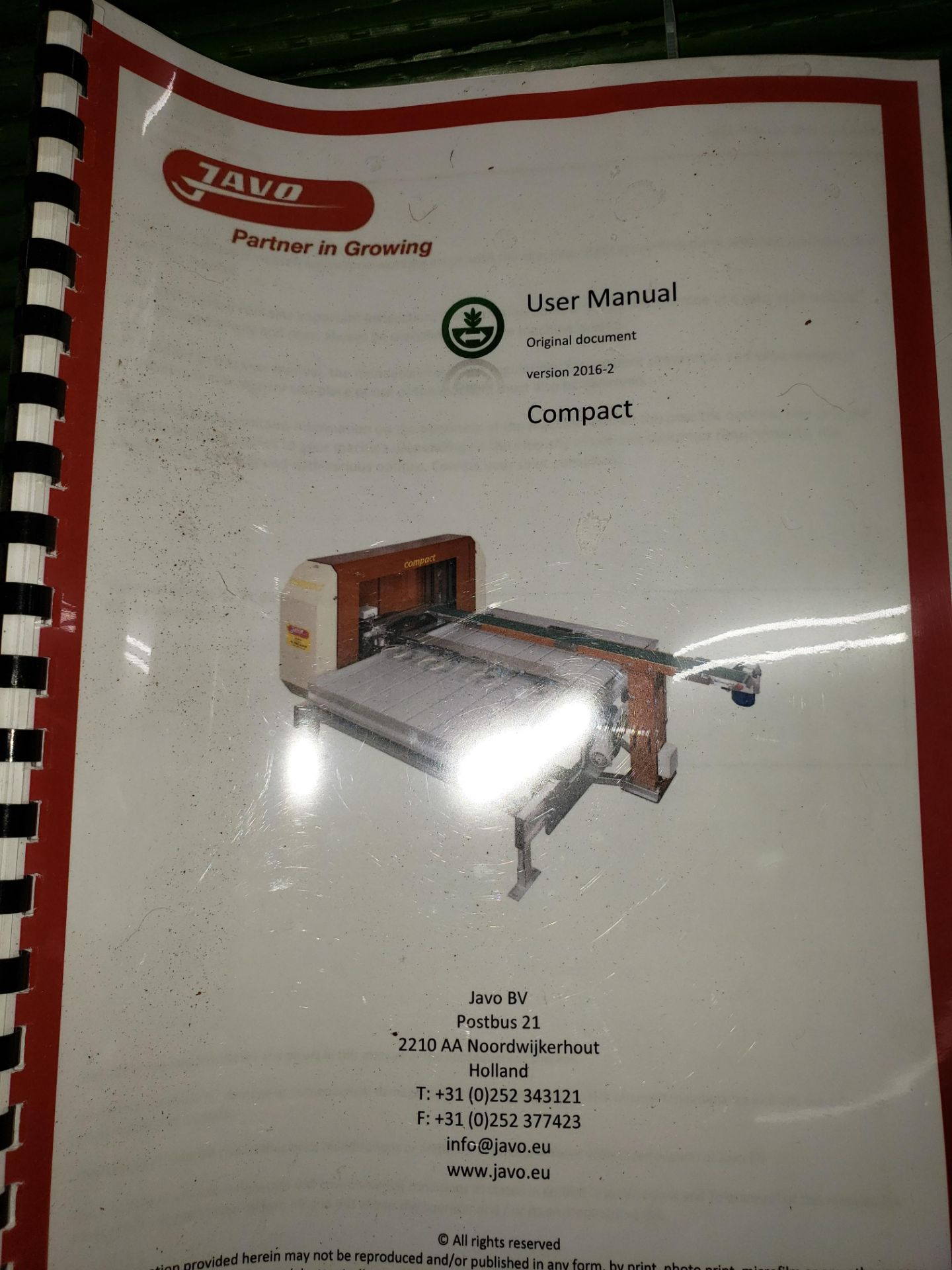 """Lot 18 - Javo Compact Pick and Place Robot with associated Conveyors for 6"""" and 10"""" planter pots"""