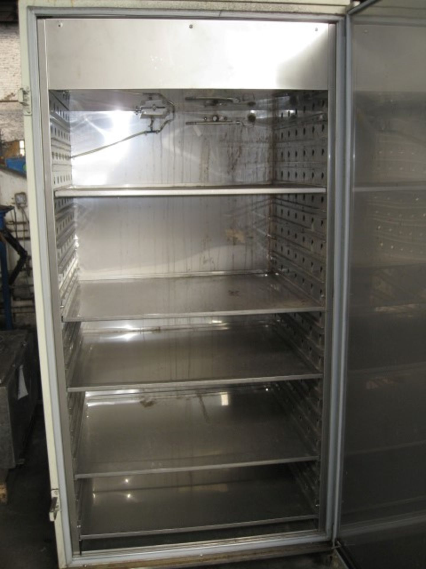 Lot 9 - Lunaire incubator, model CEO932W-4, stainless steel contact surfaces, single doo