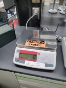 Ohaus Valor 1000 Series Model V11P6 6kg/13lb Scale