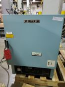 Blue M Lab Oven, Model ESP-400C-5, Serial Number ESP-1569, Temperature Range 38 deg C to 260 deg
