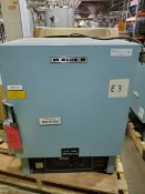 Blue M Lab Oven, Model ESP-400C-5, Serial Number ESP-1831, Temperature Range 38 deg C to 260 deg