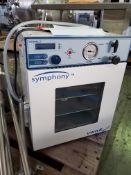 """VWR Symphony Vaccum Oven, part# 414004-578, external vacuum, 10""""wide x 11"""" deep x 10"""" high"""
