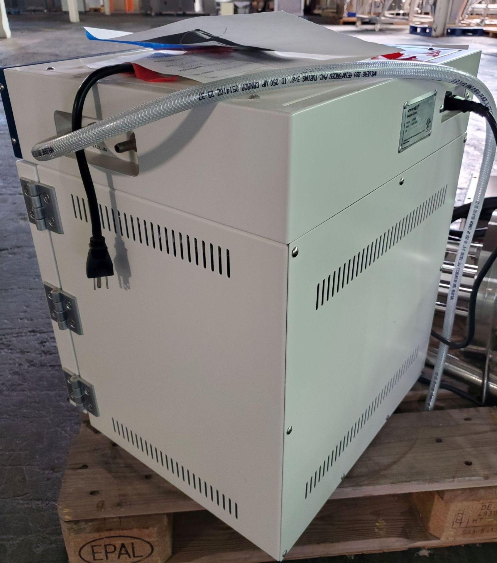 "Lot 7 - VWR Symphony Vaccum Oven, part# 414004-578, external vacuum, 10""wide x 11"" deep x 10"" high"