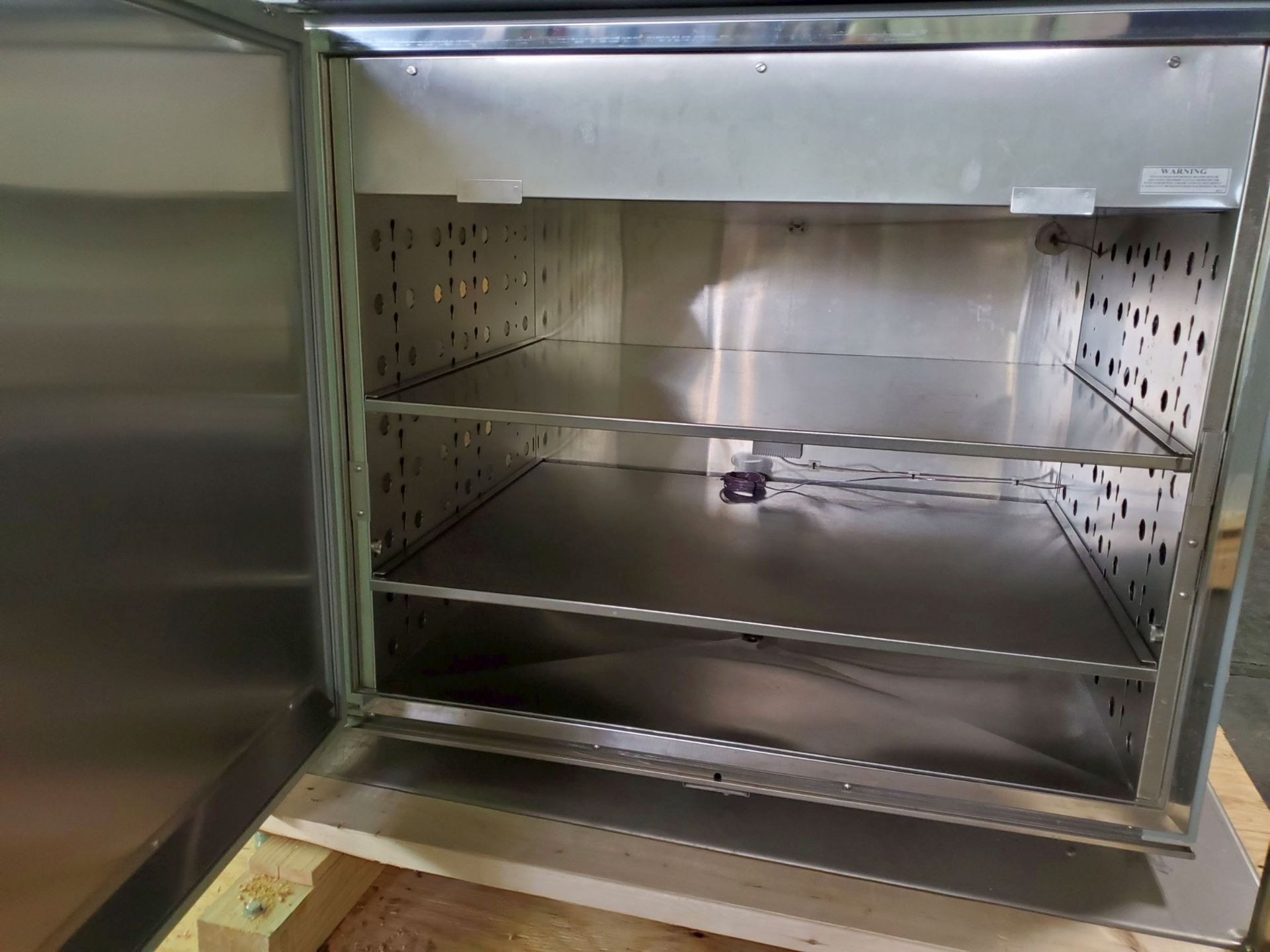 Environmental Specialties Stability Chamber, model ES2000 CDM/BT, 0-70 C and 10-96% humidty range, - Image 2 of 9