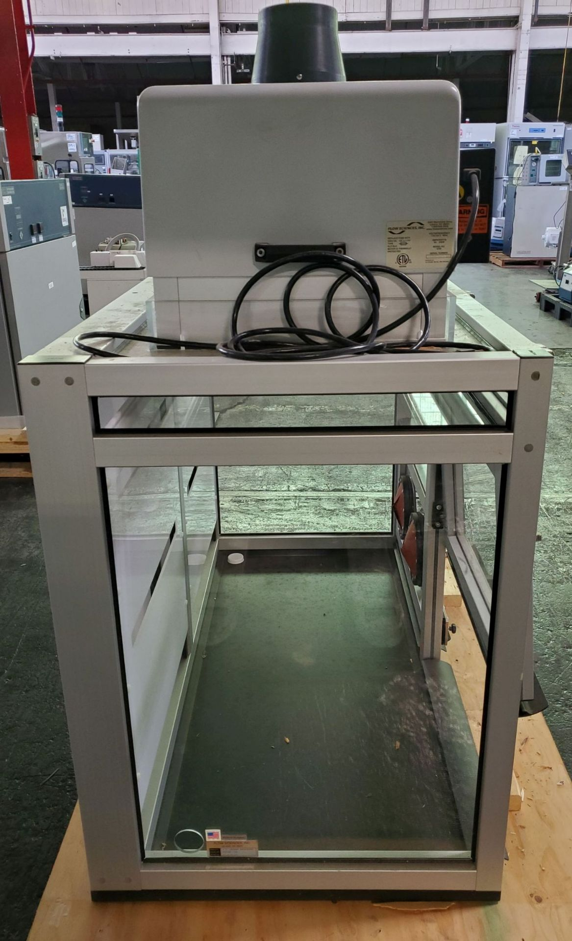 Flow Sciences HEPA Flow Hood/Glovebox, enclosure model FS5000-108 - Image 7 of 10