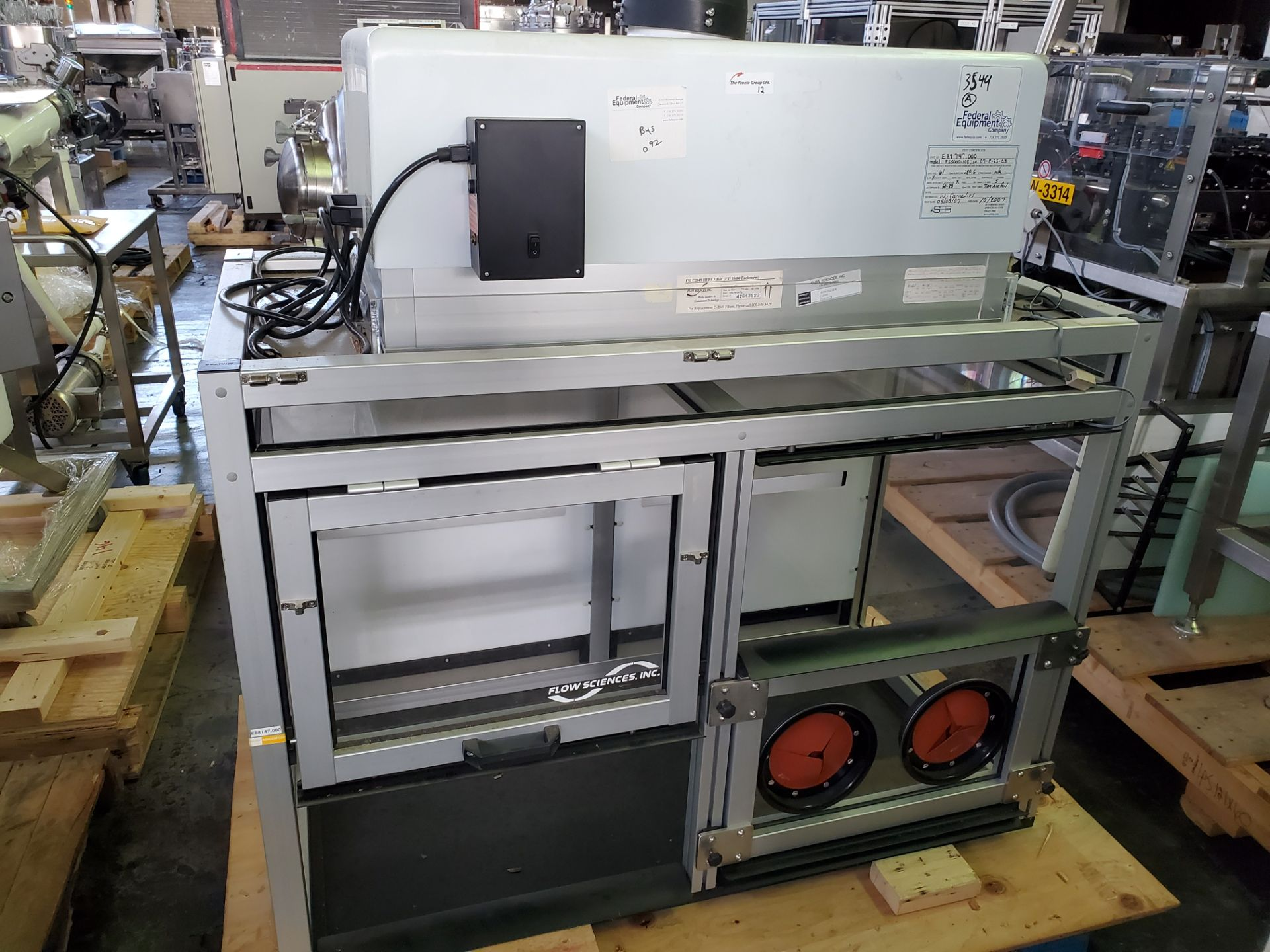 Flow Sciences HEPA Flow Hood/Glovebox, enclosure model FS5000-108 - Image 2 of 10