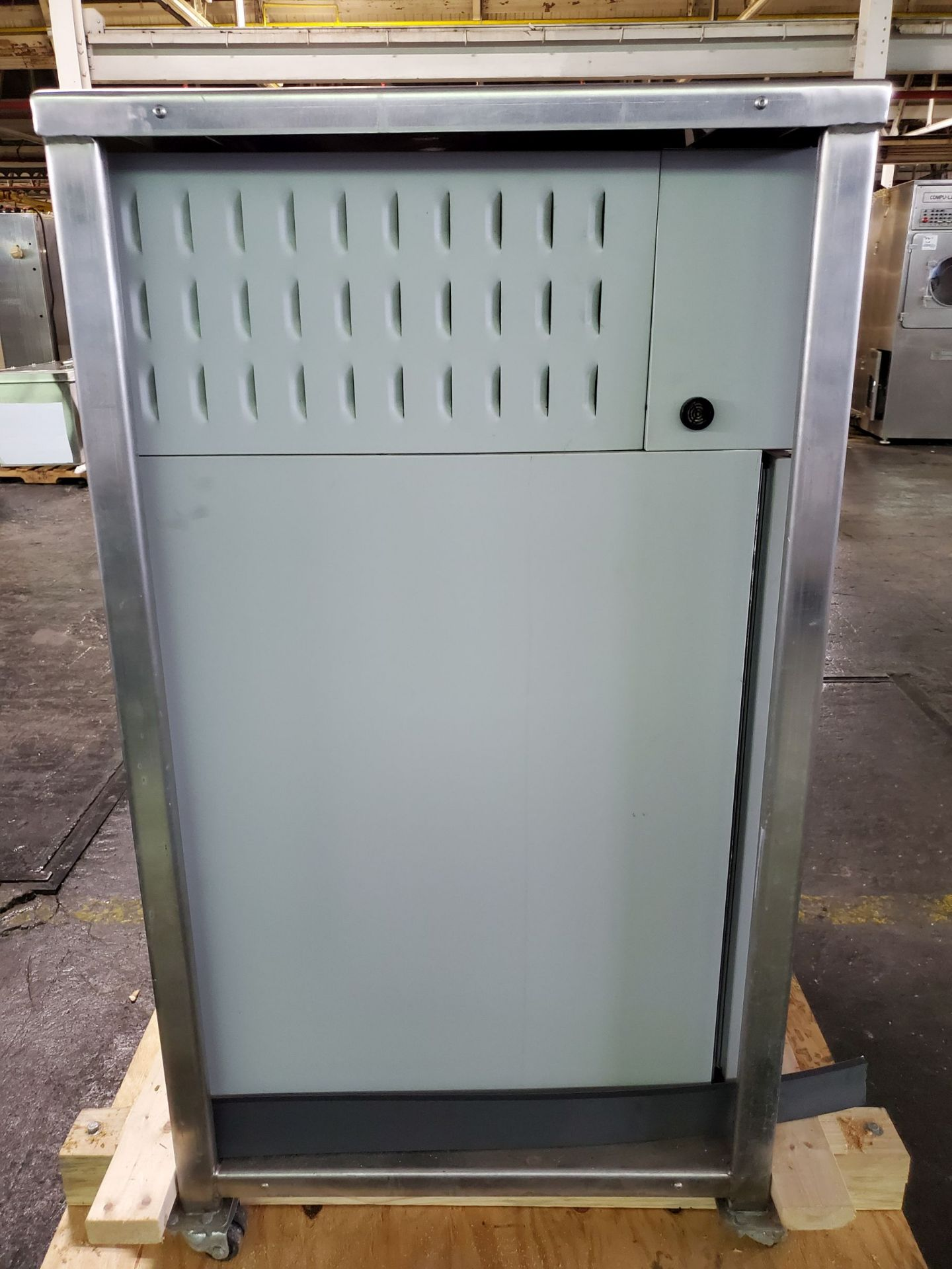 Environmental Specialties Stability Chamber, model ES2000 CDM/BT, 0-70 C and 10-96% humidty range, - Image 5 of 9
