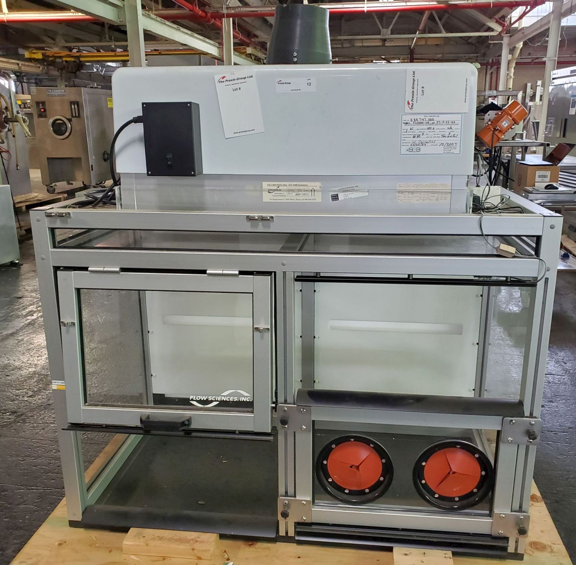Flow Sciences HEPA Flow Hood/Glovebox, enclosure model FS5000-108
