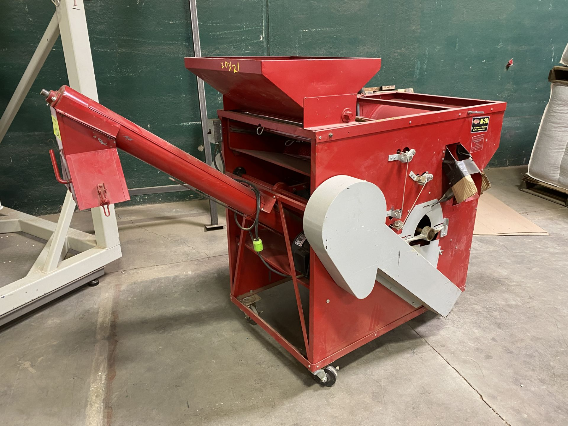Lot 124 - Seed/Grain Cleaner