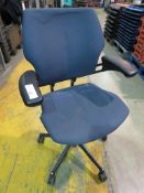 6 X BLUE UPHOLSTERED SWIVEL OFFICE ARMCHAIRS