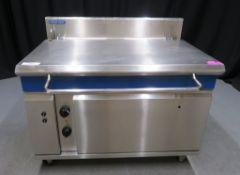 Blue Seal Evolution Series E580 - 1200mm electric tilting bratt pan