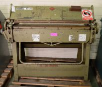 Selson Besco Univfolder Model UC 316.