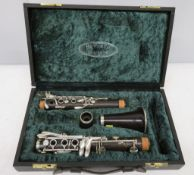 Howarth of London clarinet with case. Serial number: 1547. Please note that this item is