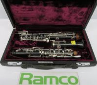 Buffet crampon oboe with case. Serial number: 9563. Please note that this item is sold as