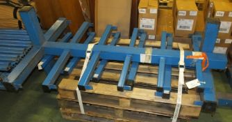 2x Cantilever racking uprights