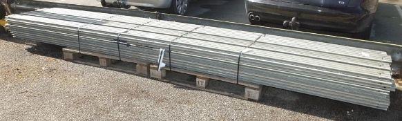35x Trackway Aluminium Panels