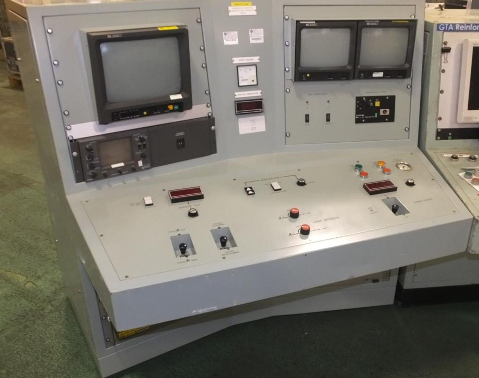 Ex Nuclear Plant Reactor Control / Monitoring System - Image 3 of 25
