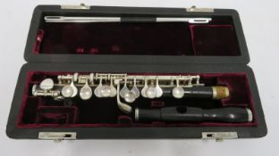 Philipp Hammig Markneukirchen piccolo with case. Serial number: 28975.