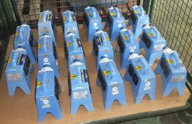 17x Blakley Electronics 16A-6h/200-250v-2P+ junction boxes