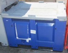 Plastic Foster Box L1200 x W1000 x H820mm