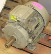 Heavy duty Siemens motor - see picture of plate for details