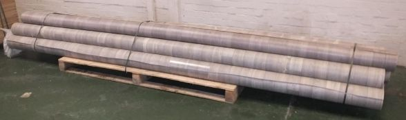 10x 4M Wood effect vinyl floor covering various lengths - LOCATED AT OUR CROFT SITE