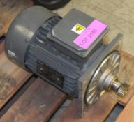 Heavy duty Lenze motor - see picture of plate for details