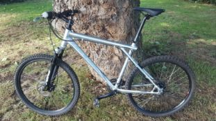 GT Avalanche Disc 1.0 adult mountain bike