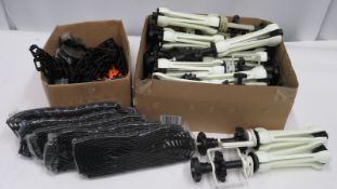 Box of Expan Set back holder chains & weights