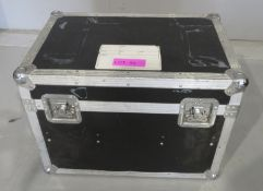 Flightcase with various extension cables. Dimensions: 61x42x43cm (LxDxH)