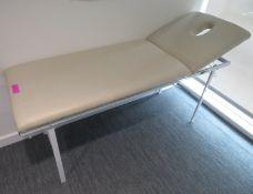 Massage/Treatment Table. Dimensions: 182x60cm Height Adjustable. (Lxd)