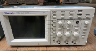 Tektronix TDS 210 Two Channel Digital Real Time Oscilloscope - 60MHz 1GS/s (No Power Cable
