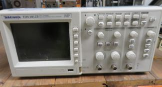 Tektronix TDS 1012B Two Channel Digital Storage Oscilloscope 100MHz 1GS/s (No Power Cable)
