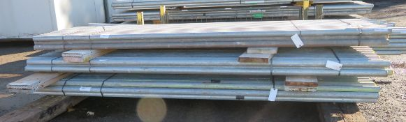 150x 10ft Galvanised Steel Scaffolding Poles 48mm Diameter x 4mm Thick.