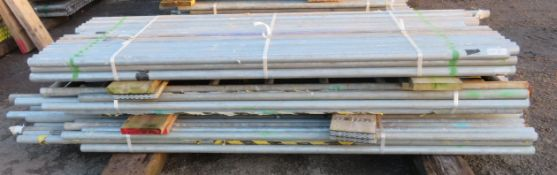 130x Various Length Galvanised Steel Scaffolding Poles. Lengths Range Between 9ft - 7.5ft.