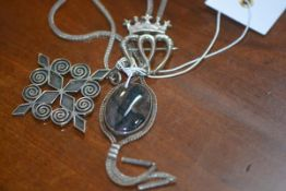 A moss agate necklace with white metal gold mount and chain, silver pendant by Ortak, together